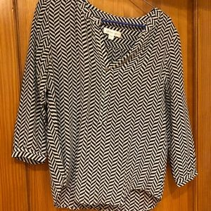 Amour Vert silk blouse size S navy/cream chevron